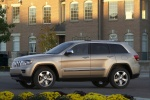 2013 Jeep Grand Cherokee Limited 4WD in White Gold Clearcoat - Static Left Side View