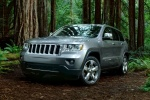 2013 Jeep Grand Cherokee in Bright Silver Metallic Clearcoat - Driving Front Left View