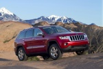 2013 Jeep Grand Cherokee Limited 4WD in Deep Cherry Red Crystal Pearlcoat - Static Front Right Three-quarter View