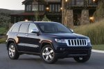 2013 Jeep Grand Cherokee Overland 4WD in Brilliant Black Crystal Pearlcoat - Static Front Right Three-quarter View