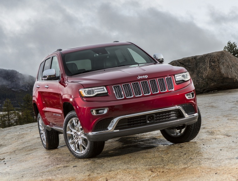 2016 jeep grand cherokee summit 4wd in deep cherry red crystal pearlcoat color static front. Black Bedroom Furniture Sets. Home Design Ideas
