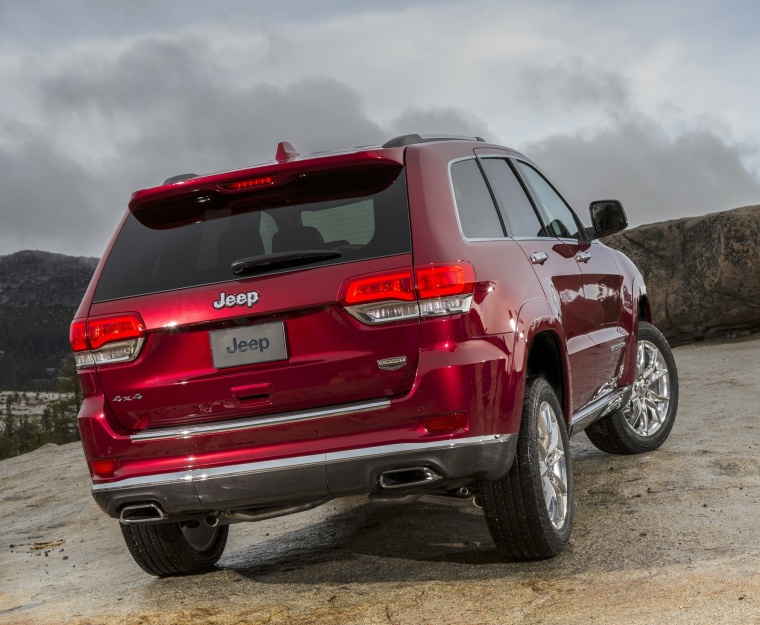 2016 jeep grand cherokee summit 4wd in deep cherry red crystal pearlcoat color static rear. Black Bedroom Furniture Sets. Home Design Ideas