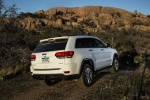 Picture of a 2016 Jeep Grand Cherokee Limited 4WD in Bright White Clearcoat from a rear right perspective