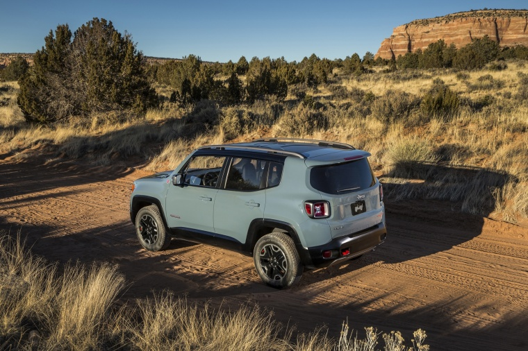 2017 Jeep Renegade Trailhawk 4WD in Glacier Metallic from a rear left three-quarter view