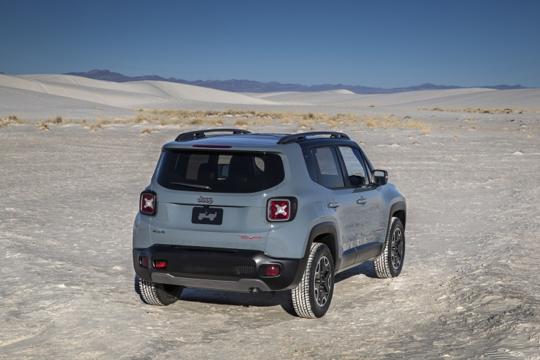 2017 Jeep Renegade Trailhawk 4WD in Glacier Metallic from a rear right view