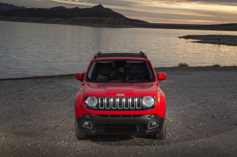 2017 Jeep Renegade Latitude 4WD in Colorado Red from a frontal view