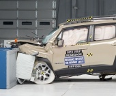 2017 Jeep Renegade IIHS Frontal Impact Crash Test Picture