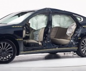 2017 Kia Cadenza IIHS Side Impact Crash Test Picture