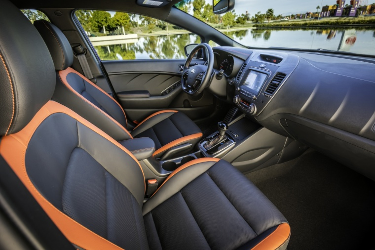 2018 Kia Forte5 Hatchback Front Seats Picture