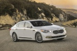 2015 Kia K900 in Snow White Pearl - Static Front Right Three-quarter View
