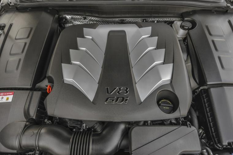 2016 Kia K900 Luxury 5.0-liter V8 Engine Picture