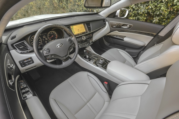 2016 Kia K900 Luxury V8 Interior Picture