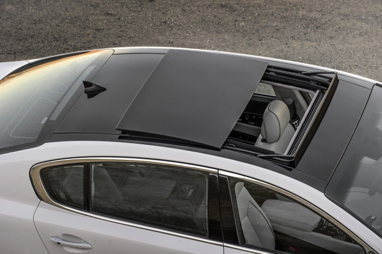 2016 Kia K900 Luxury V8 Moonroof Picture