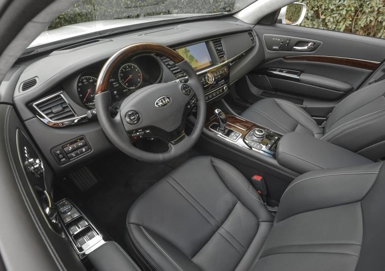 2016 Kia K900 Luxury V8 Interior Picture