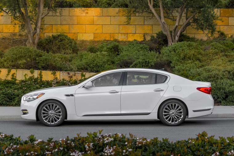 2016 Kia K900 Luxury V8 Picture