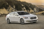 2016 Kia K900 Luxury V8 in Snow White Pearl - Static Front Right Three-quarter View