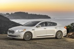 2016 Kia K900 Luxury V8 in Snow White Pearl - Static Front Left Three-quarter View