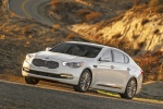 2016 Kia K900 Luxury V8 in Snow White Pearl - Driving Front Left View