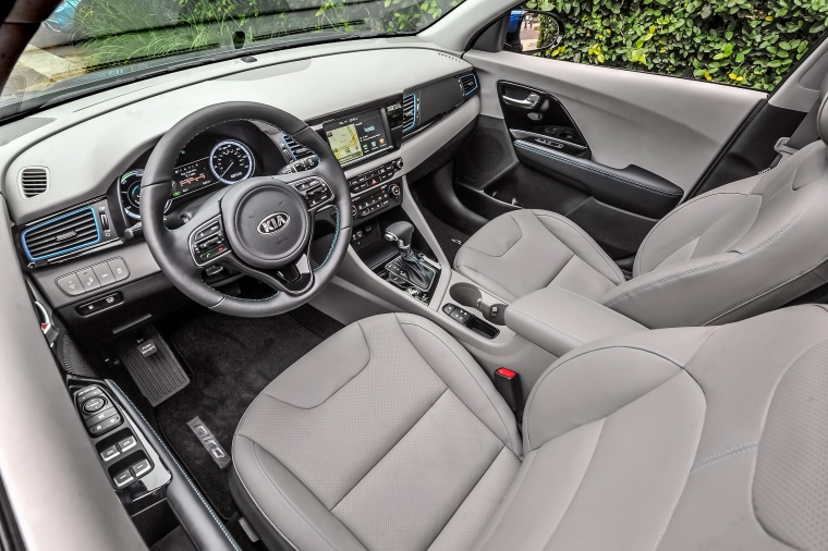 2018 Kia Niro Touring Hybrid Front Seats Picture