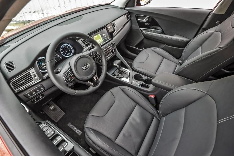 2018 Kia Niro Touring Hybrid Interior Picture
