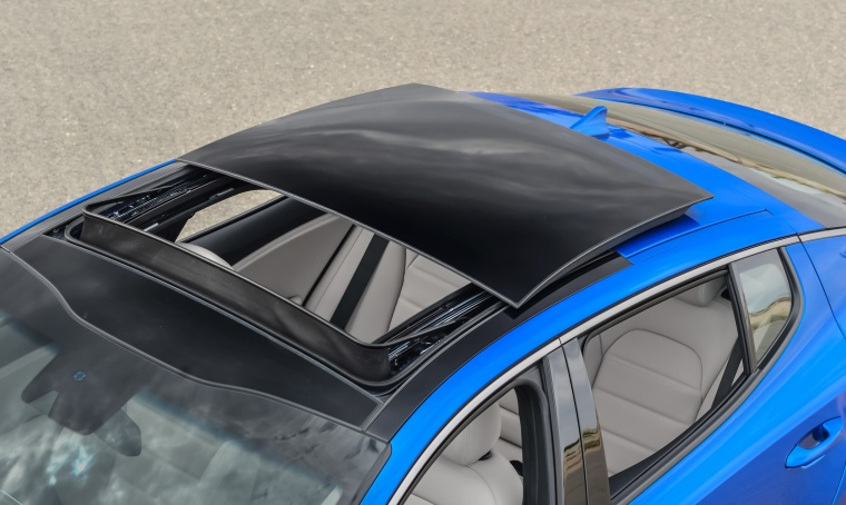 2018 Kia Stinger GT Moonroof Picture