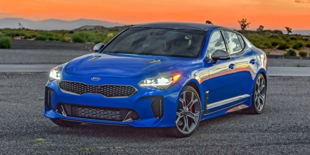 2018 Kia Stinger Pictures