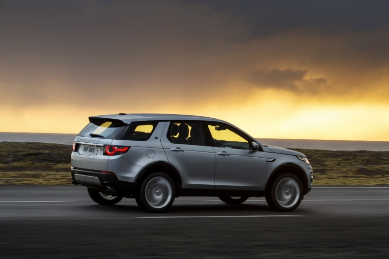 2018 Land Rover Discovery Sport HSE Luxury Picture