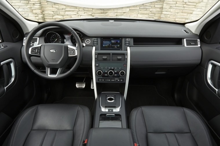 2018 Land Rover Discovery Sport HSE Luxury Cockpit Picture