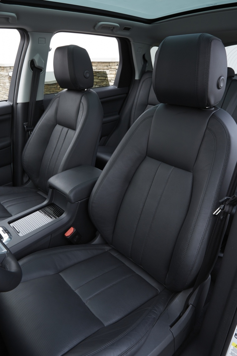 2018 Land Rover Discovery Sport HSE Luxury Front Seats Picture
