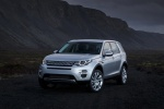Picture of a 2018 Land Rover Discovery Sport HSE Luxury in Indus Silver Metallic from a front left three-quarter perspective