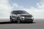 Picture of a 2018 Land Rover Discovery Sport HSE Luxury in Scotia Gray Metallic from a front right perspective