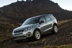 2018 Land Rover Discovery Sport HSE Luxury in Scotia Gray Metallic - Driving Front Left Three-quarter View