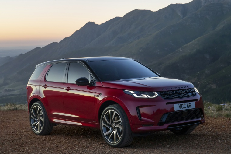 Picture of a 2020 Land Rover Discovery Sport P290 HSE R-Dynamic in Firenze Red Metallic from a front right three-quarter perspective