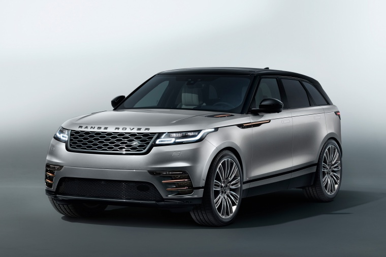 Picture of a 2020 Land Rover Range Rover Velar P380 R-Dynamic HSE in Silver from a front left perspective
