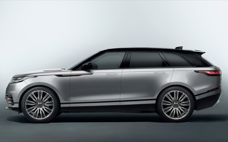 Picture of a 2020 Land Rover Range Rover Velar P380 R-Dynamic HSE in Silver from a left side perspective