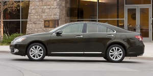 2011 Lexus ES Reviews / Specs / Pictures / Prices