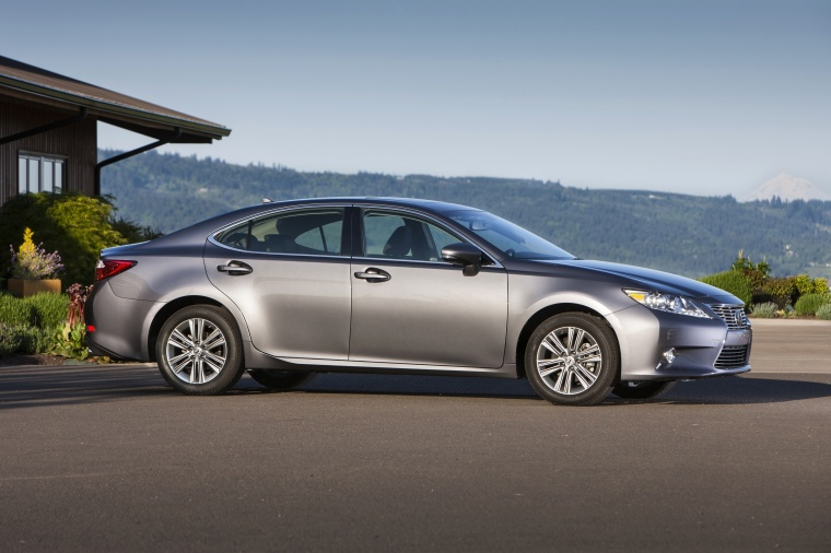 2013 Lexus ES 350 Sedan Picture