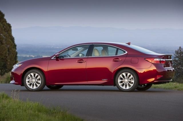 2013 Lexus  ES Picture