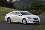 2013 Lexus ES 300h Hybrid Sedan in Starfire Pearl - Static Front Right View