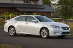 2015 Lexus ES 300h Hybrid Sedan in Starfire Pearl - Static Front Right Three-quarter View