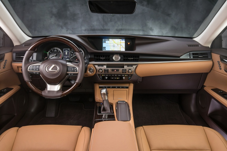 2017 Lexus ES 350 Sedan Cockpit Picture
