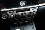 Picture of 2018 Lexus ES 350 Sedan Center Stack