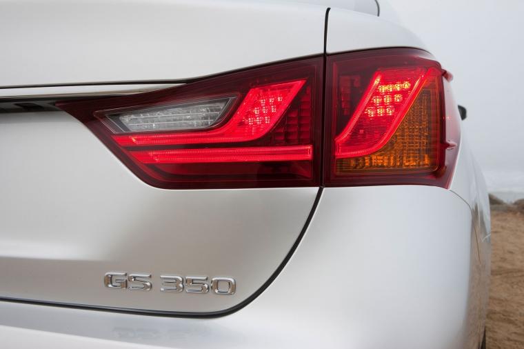 2014 Lexus GS 350 Sedan Tail Light Picture