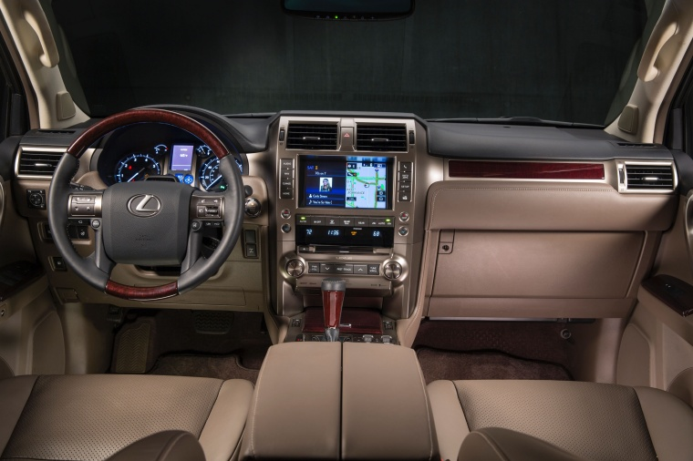2017 Lexus GX460 Cockpit Picture