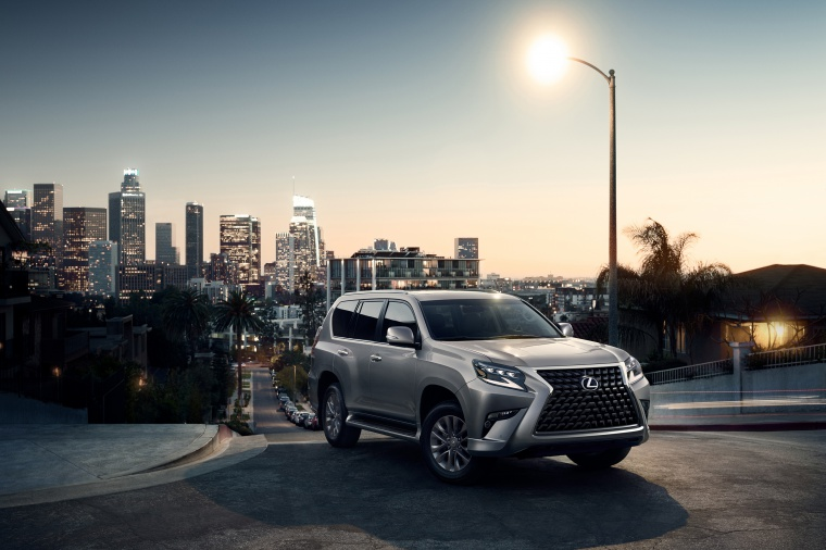 Picture of a 2020 Lexus GX460 in Atomic Silver from a front right three-quarter perspective