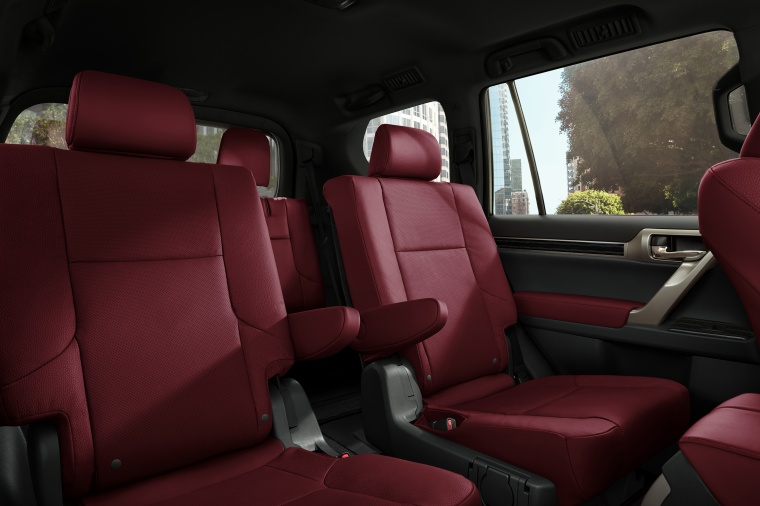 Picture of a 2020 Lexus GX460's Front Seats