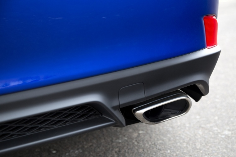 2018 Lexus IS 350 AWD Exhaust Tip Picture