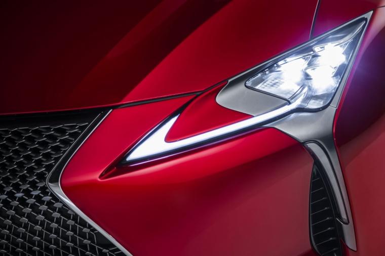 2018 Lexus LC 500 Coupe Headlight Picture