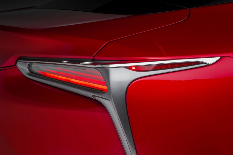 2018 Lexus LC 500 Coupe Tail Light Picture