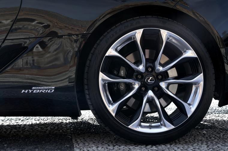 2018 Lexus LC 500h Coupe Rim Picture